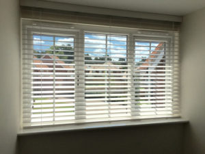 WOODEN BLINDS CURTAIN CREATION